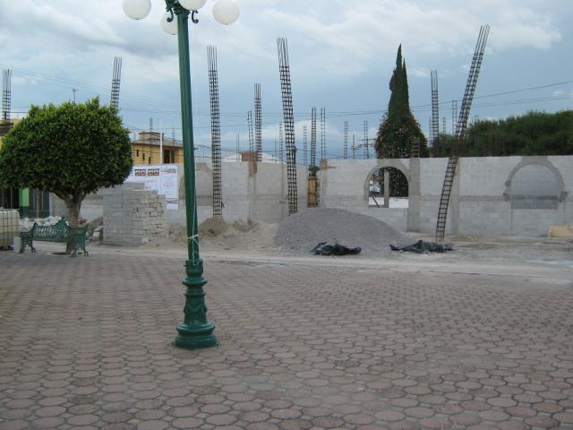 Construccion para un edificio nuevo al parque