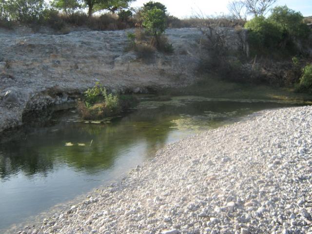 Manantial de rio de presa de Juan N. Mendez