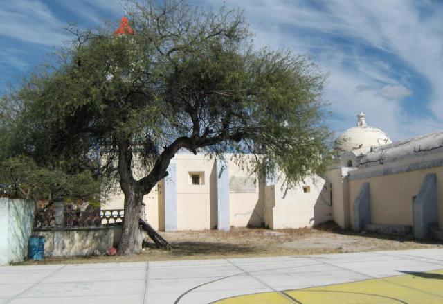 Iglesia original desde izq