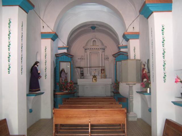 Iglesia vieja, altar